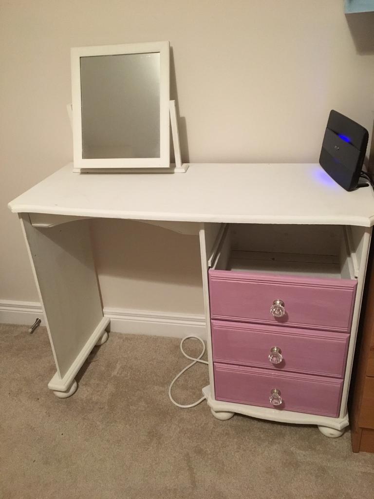 Annie Sloan painted dresser