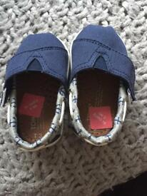 Baby boys Toms shoes - size uk 2 and uk 3
