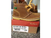 Kickers suede boots