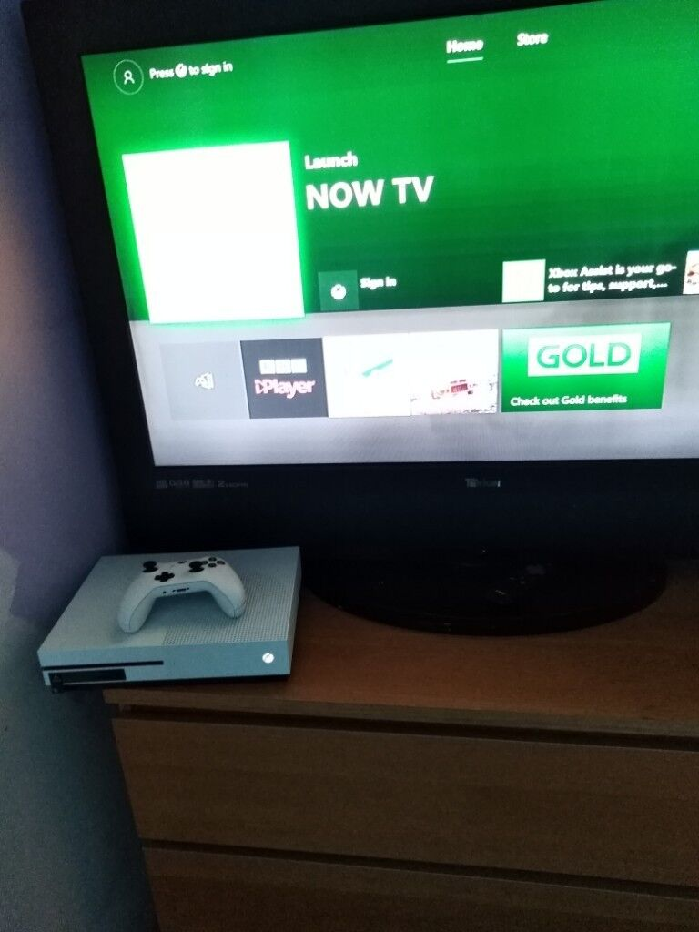 XBOX ONE S 500GB + FIFA 17 + FIFA 18 | in Dumfries