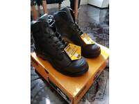Brand New Magnum Work Boots UK SIZE 9