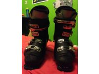 Adult Salamon ski boots , size 6.5