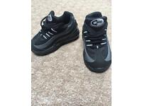 Nike air max kids size 5.5 uk trainers