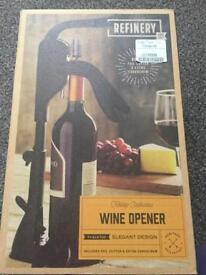 Table top corkscrew wine opener