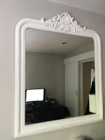Medium size wall mirror