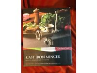 Kitchen craft cast iron mincer