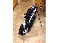 Lightweight golf bag