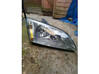 O/S DRIVERS HEADLIGHT COMPLETE FORD FOCUS