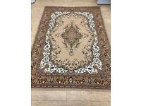 Large traditional rug 216x160cm