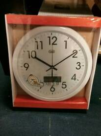 Trevi round wall clock silent sweep movement 30cm quiet with no ticking RRP £14.99