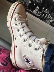Girls/Ladies white leather hi top Allstar