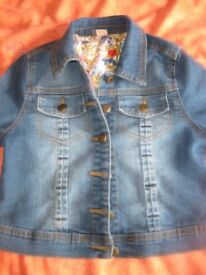 IMMACULATE DENIM JACKET from Sainsburys Age 9-10 REDUCED TO JUST £4 TODAY Like New - BARGAIN PRICE!