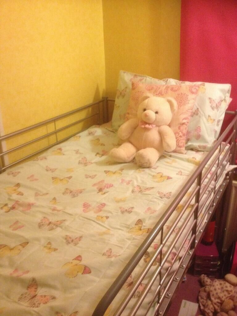 Mid/high single bed No Mattress
