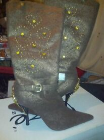 "Beautiful ""Bling"" Ladies Boots"