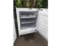 Lamona integrated fridge and freezer