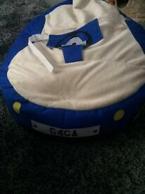 RUCOMFY gaga baby bean bag ex Condition only used 1 week