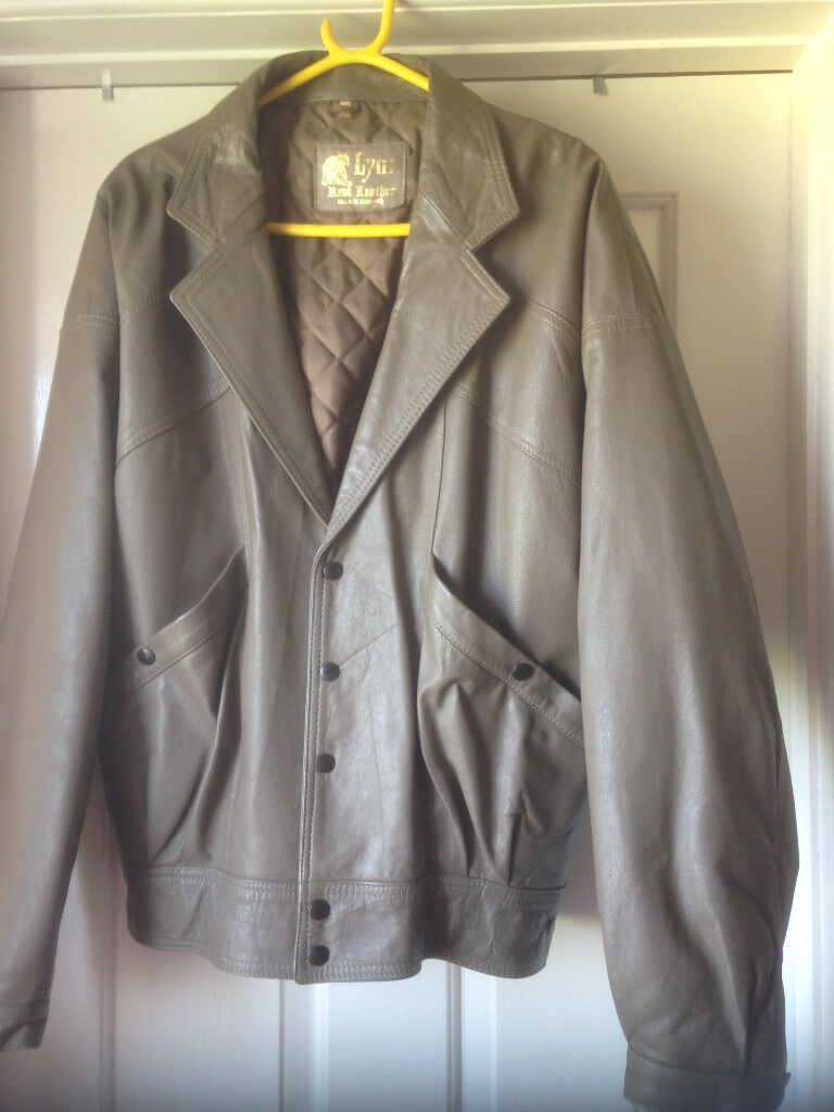 mens brown leather jacket size 40in Spalding, LincolnshireGumtree - Mens brown leather jacket size 40 Label inside coat says Lynx real leather made in England in vgc Collection only from Sutton St James PE12 0HR