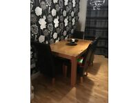 Oak Table with 4no Leather Chairs