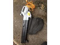Titan leaf blower & vac (2800w)