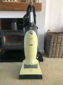 Vacuum Cleaner/Hoover