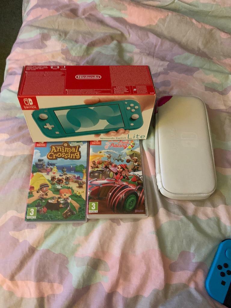Nintendo switch lite with animal crossing | in Elderslie ...