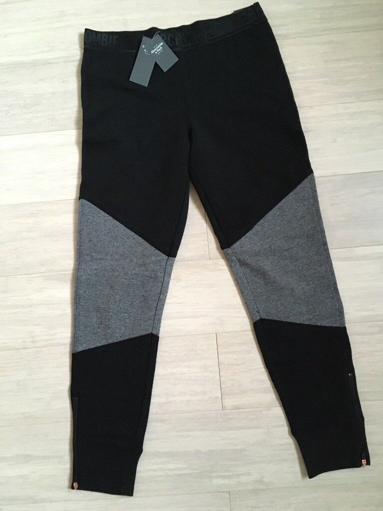 Abercrombie & Fitch. Joggers A&F ladies Size S. New with tags.