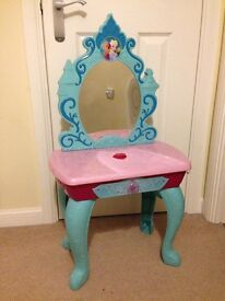 Disney Frozen lights and sounds dressing table