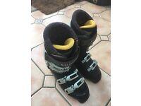Men's Salomen ski boots 8 1/2 ish