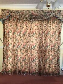 Lined Curtains & pelmet and swags