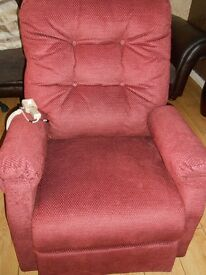 ELECTRIC RISER RECLINER £299 .ONO 2 WEEKS OLD 6 MONTHS WARRANTY
