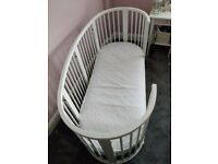 Stokke Sleepi Cot - plus junior bed extension