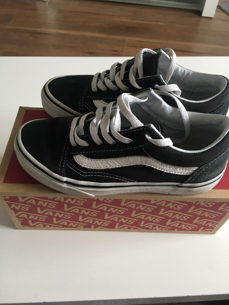 eacf883bd1 Old skool vans uk size 2 trainers girls or boys