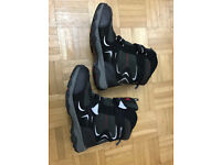 Winter boys' boots size 6 excellent condition