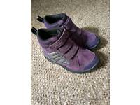 Clarks girls shoes size 9 g