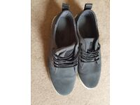 Men shoes size 9