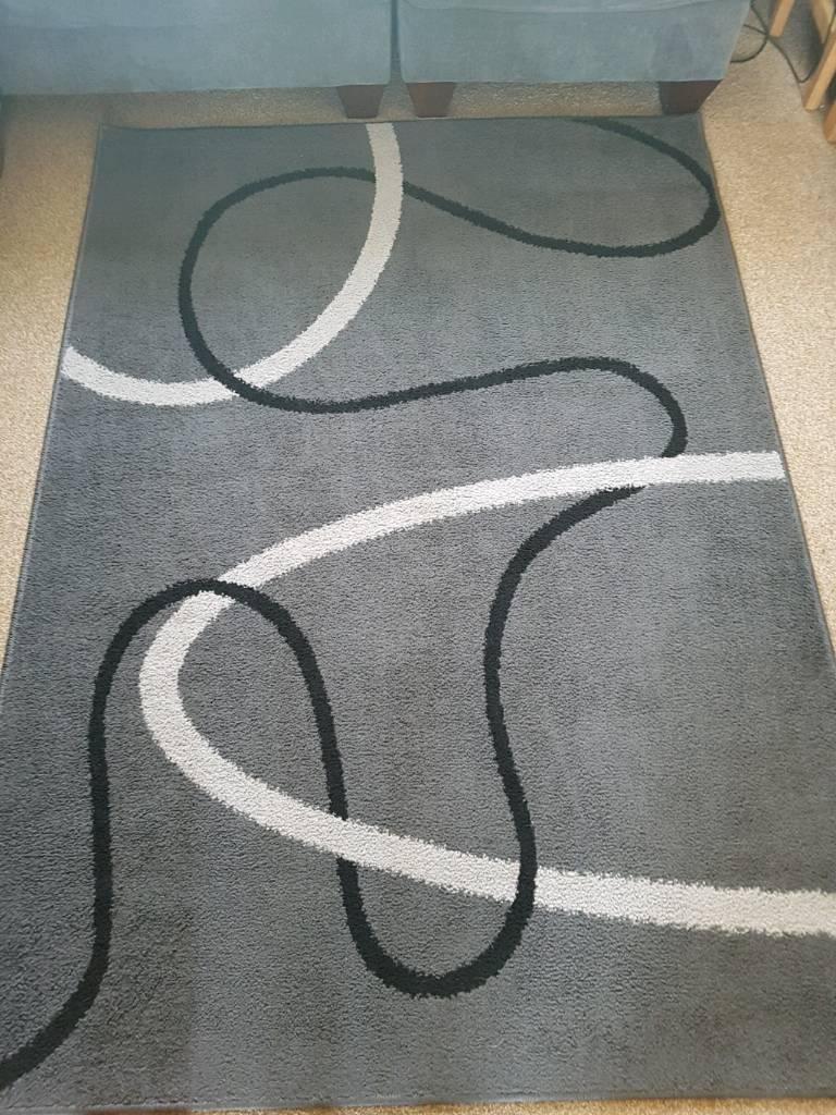 Grey patterned rug 130x190cm
