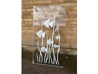 Glass fish pattern shower screen