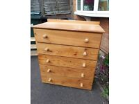 Pine chest of draws hand made very solid ideal painting project