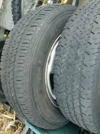 4 wheels/tyres with good tread 205/70R15