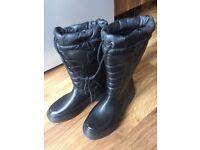 Unisex derri boots - brand new