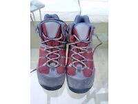 UK size 4 Columbia Gortex Walking Boots Trainers Waterproof