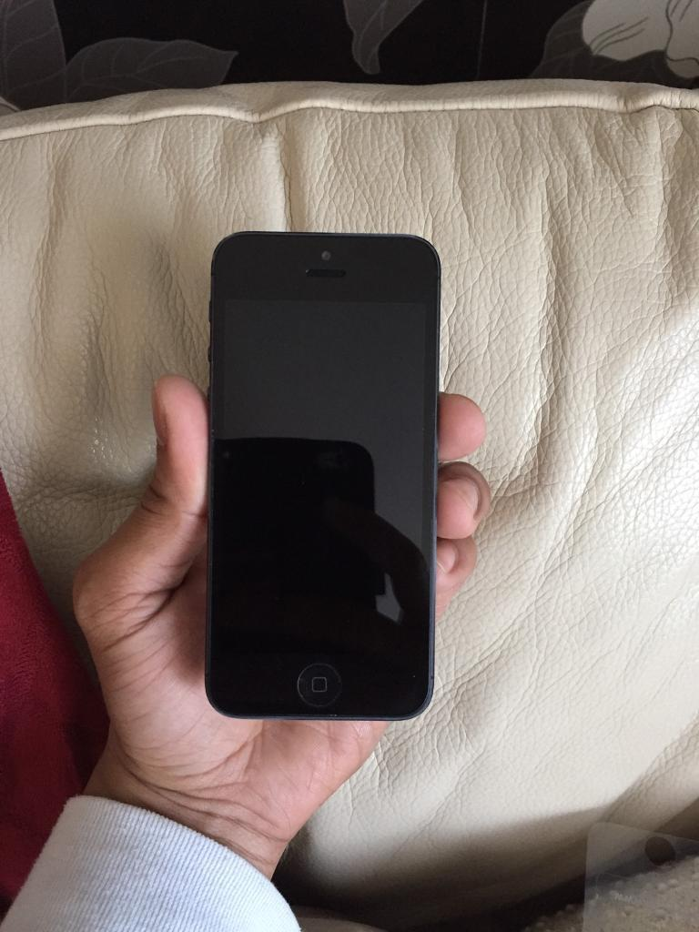 Iphone 5 16gb unlocked to all network. Good conditionin Tower Hamlets, LondonGumtree - Iphone 5 16gb unlocked to all network. Good condition. All functions work perfectly. Last £100 Fix price