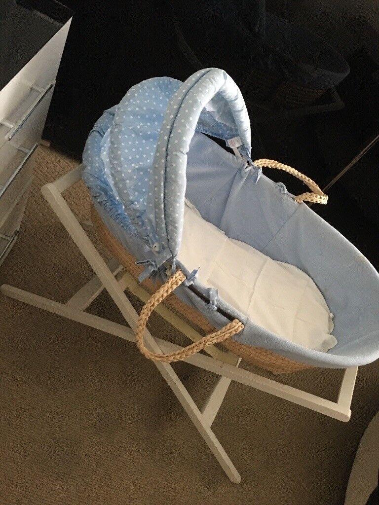 Moses basket blue + mattress + stand mamas & papas