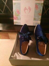 Sincerity Shoes Blue faux suede size 38