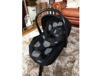 Car seat / baby carrier in very good condition