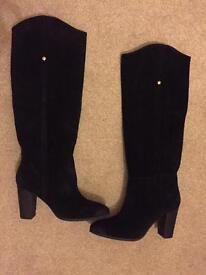 Guess suede black boots size 5.5