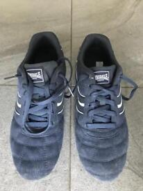 Lonsdale size 10 trainers almost new.