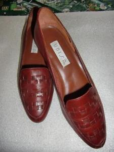 Burgundy Leather Loafers, Made in Brazil - gently worn - size 6