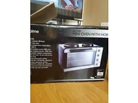 Brand new mini oven with hob not being used it still in original box