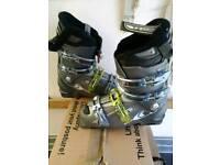 Size 9 soloman sensifit ski boots